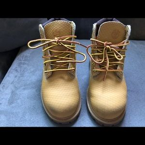 Water proof Timberlands